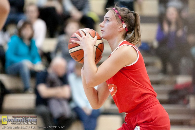 Żak Nowy Sącz – MOSiR Bochnia 75:68 / małopolska liga koszykówki juniorek