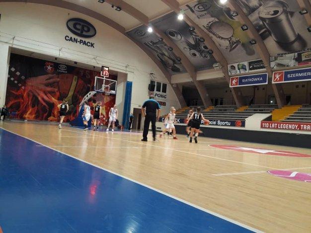 Wisła Can-Pack Kraków II & Contimax MOSiR Bochnia 65 : 48 / II liga koszykówki kobiet