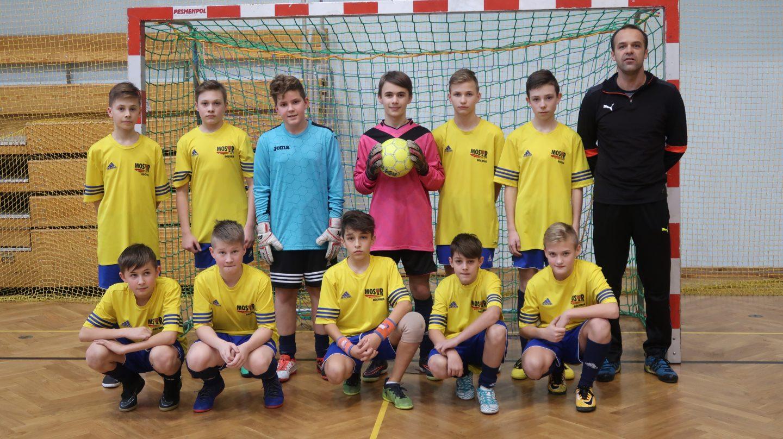 Trampkarze i młodzicy MOSiR Bochnia  wicemistrzami Turnieju Finałowego Halowej Ligi Piłki Nożnej TOZPN!