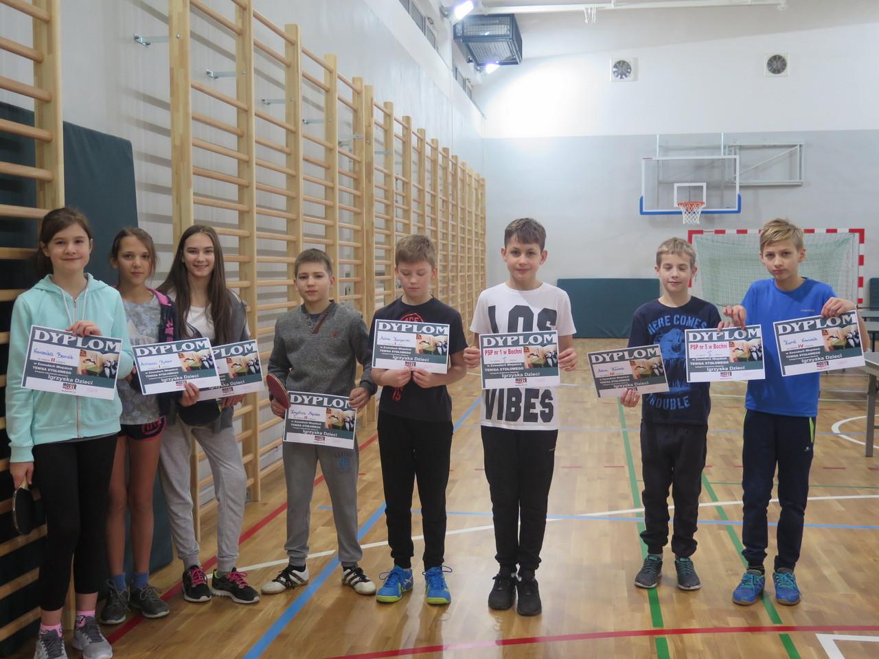 Uczniowie PSP Nr 1 i PSP Nr 5 z awansami do Zawodów Powiatowych w Tenisie Stołowym.