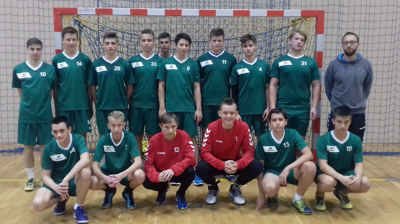 Zwycięstwo juniorów młodszych z Myślenicami, porażka młodzików w Jabłonce, piłka ręczna