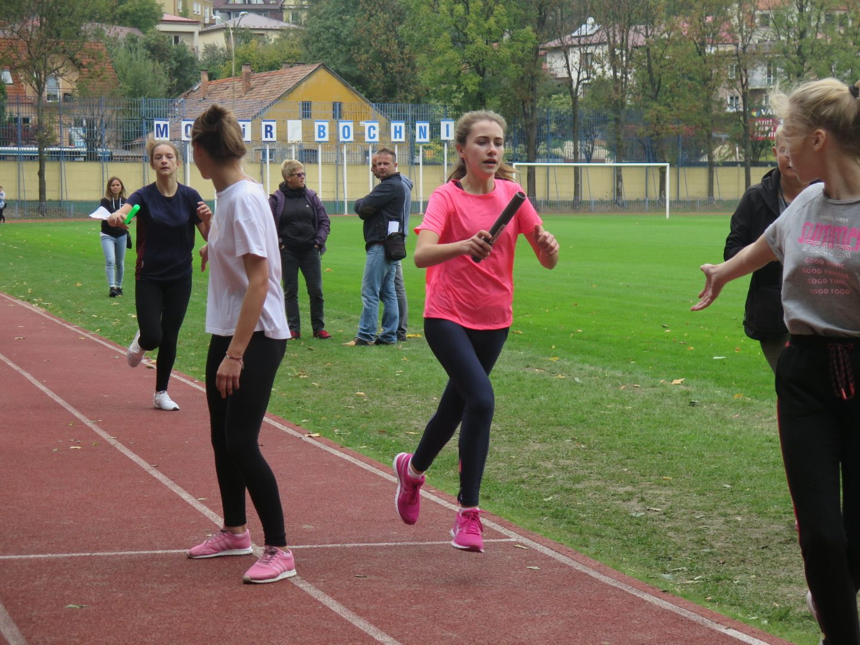 Sztafetowe Biegi Przełajowe rozpoczynają nowy sezon rywalizacji międzyszkolnej.