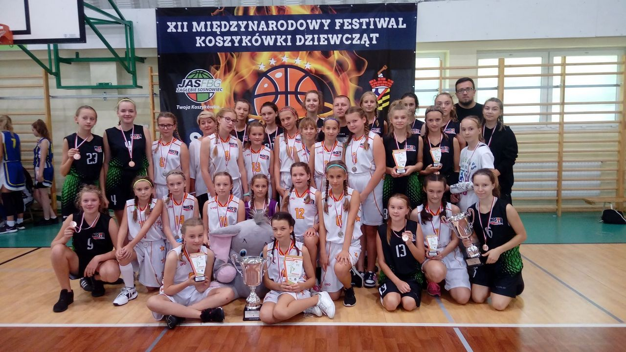 II i III miejsce bocheńskich koszykarek na XII Międzynarodowym Festiwalu Koszykówki Sosnowiec CUP 14-16.09.2018 r.