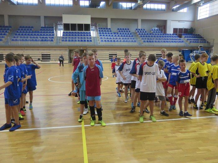Miejskie zawody w halowej piłce nożnej chłopców