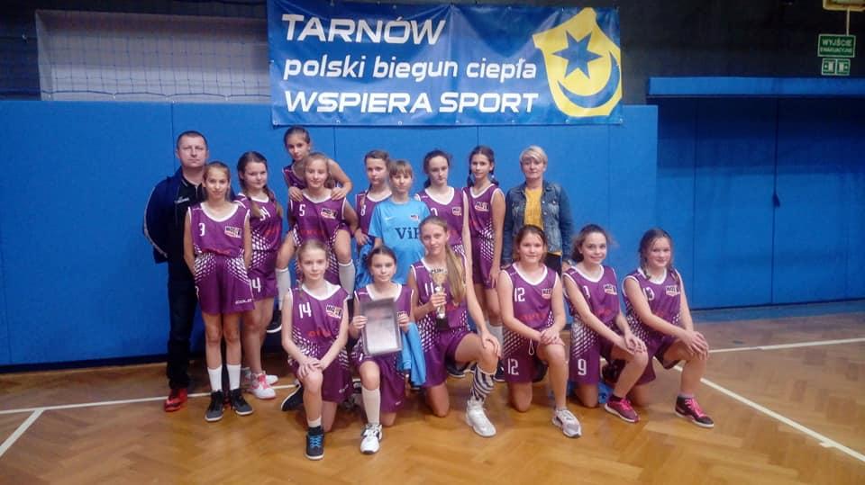 """II miejsce MOSiR Bochnia w Turnieju Koszykówki Dziewcząt """" Basket Cup Tarnów 2018″"""