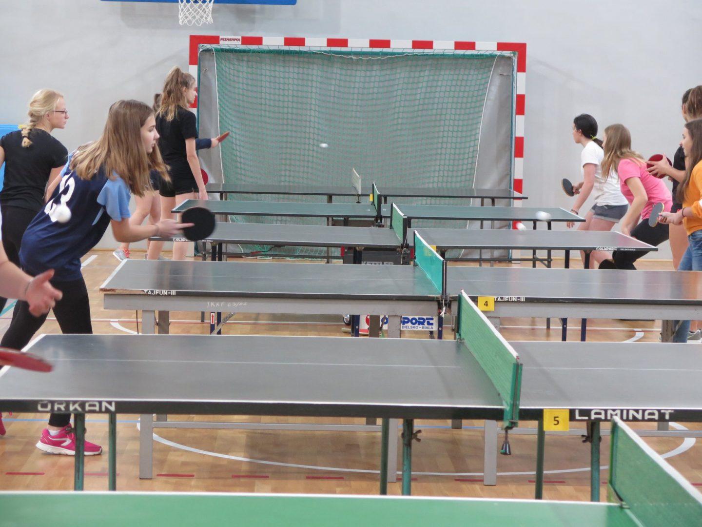 Dziewczęta walczyły o awans w tenisie stołowym – IMS.
