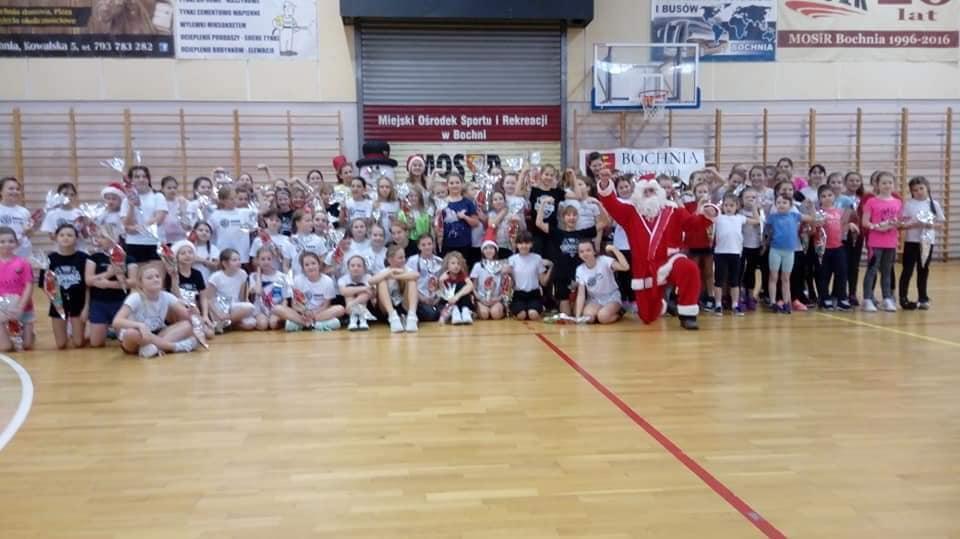 Mikołaj odwiedził najmłodsze koszykarki!