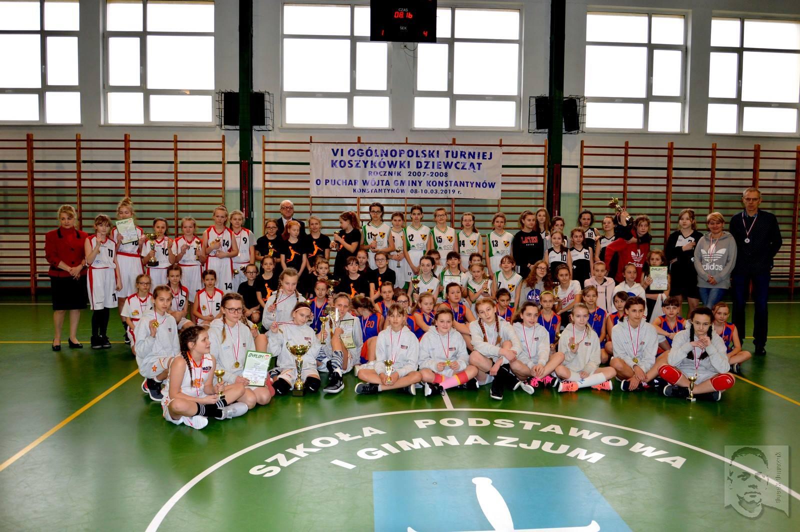 MOSiR Bochnia rocznik 2007 i młodsze zwycięża w VI Ogólnopolskim Turnieju Koszykówki w Konstantynowie!