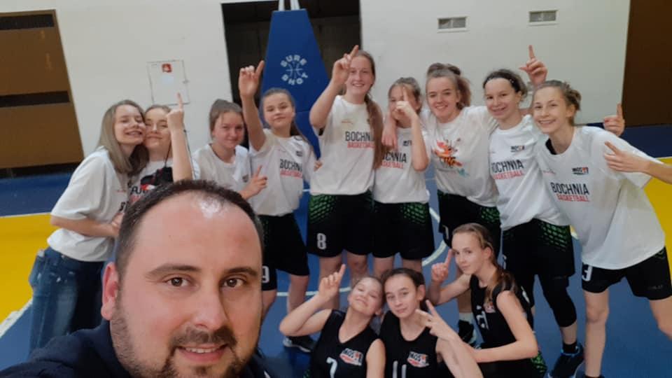 Kadetki B MOSiR Bochnia przypieczętowały Mistrzostwo Ligi !!!