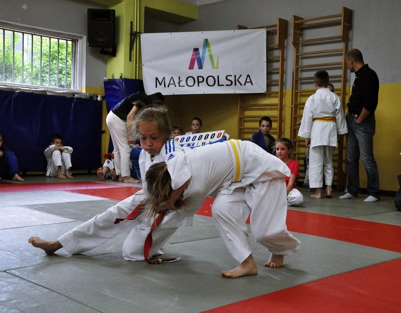 Zmagania młodych judoków podczas VII kolejki Ligi Judo.