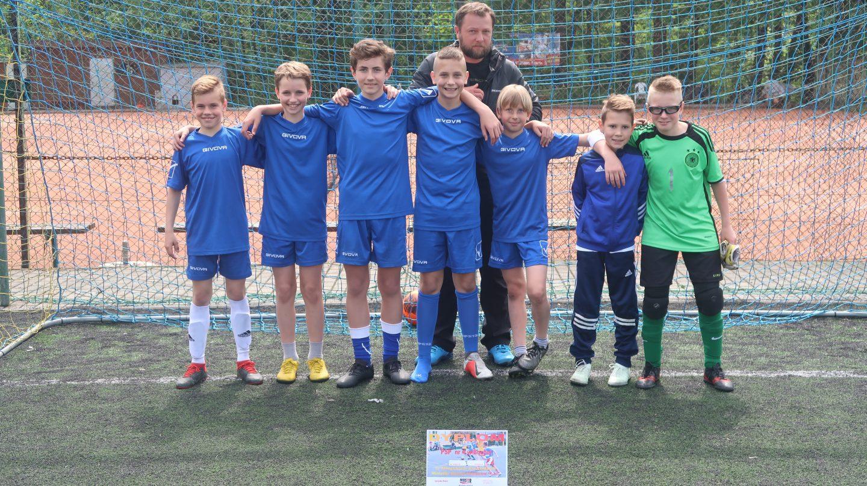 Czwórka i siódemka z awansem do zawodów powiatowych w piłce nożnej igrzysk dzieci