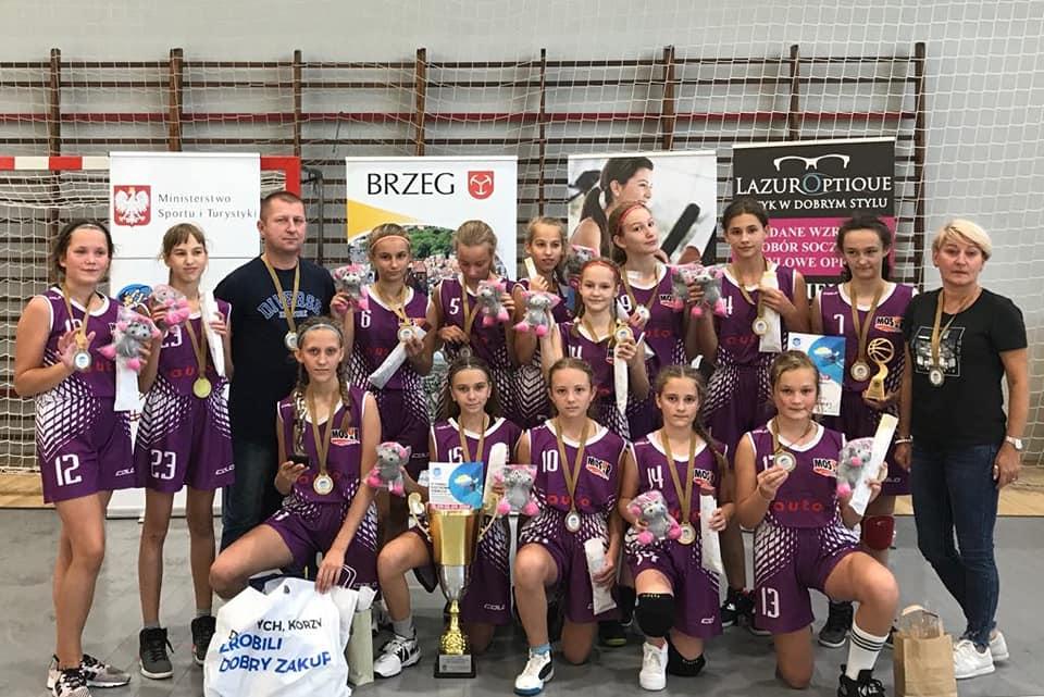 I miejsce MOSiR Bochnia na VI Turnieju Koszykówki Dziewcząt w Brzegu!