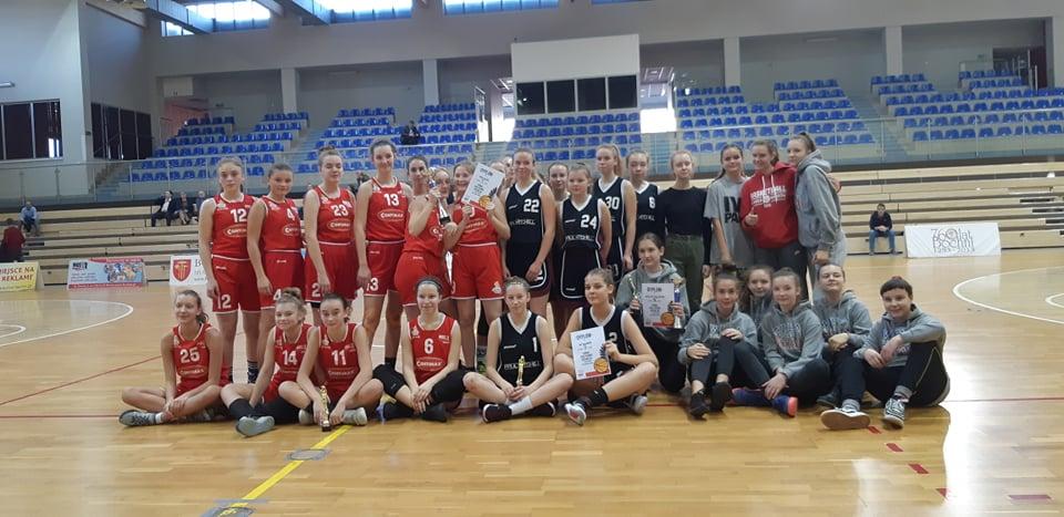 Turniej Koszykówki Dziewcząt z okazji Święta Niepodległości – relacja