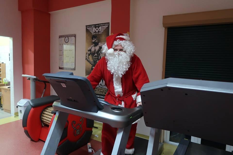 Biegaj z Mikołajem!
