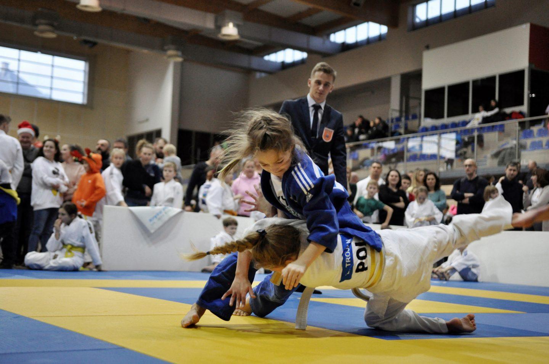 Mikołajkowy Turniej Judo Dzieci w Bochni z rekordową liczbą uczestników.