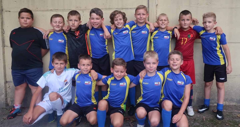 Zespół orlików MOSiR II Bochnia po inauguracji sezonu / Liga Podokręgu Bochnia