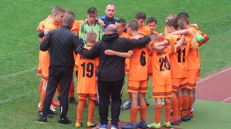 Trudny mecz z mocnym przeciwnikiem: MOSiR Bochnia – Wisła Kraków SA 0:6 / II liga Wojewódzka C1 Trampkarzy