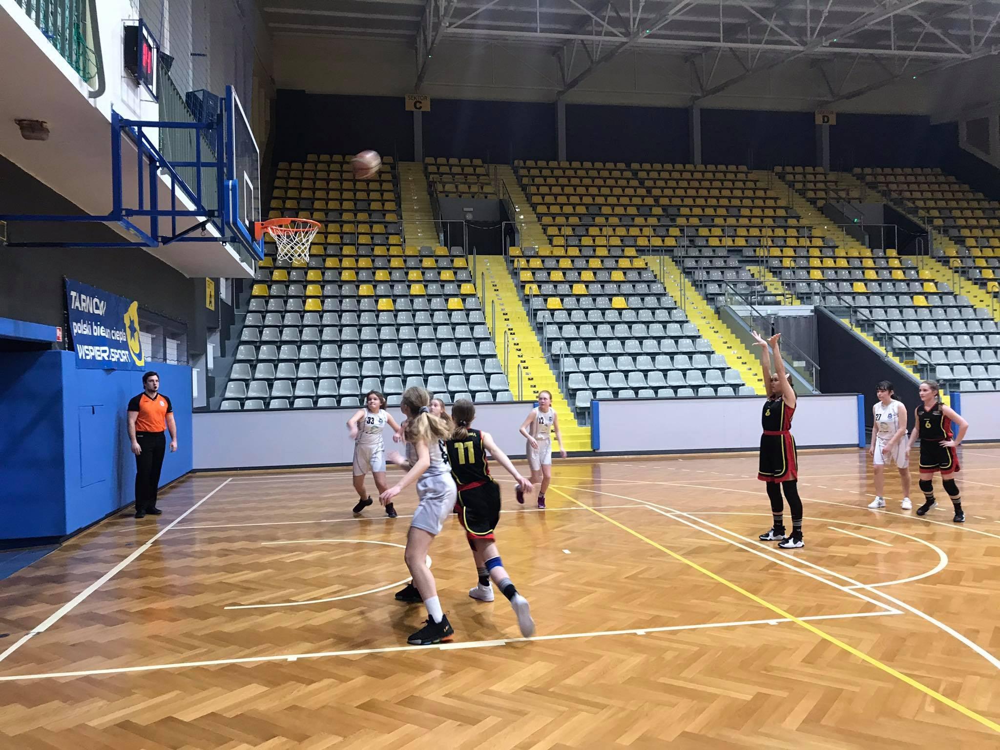 Wysokie zwycięstwo młodziczek MOSiR Bochnia na zakończenie sezonu!