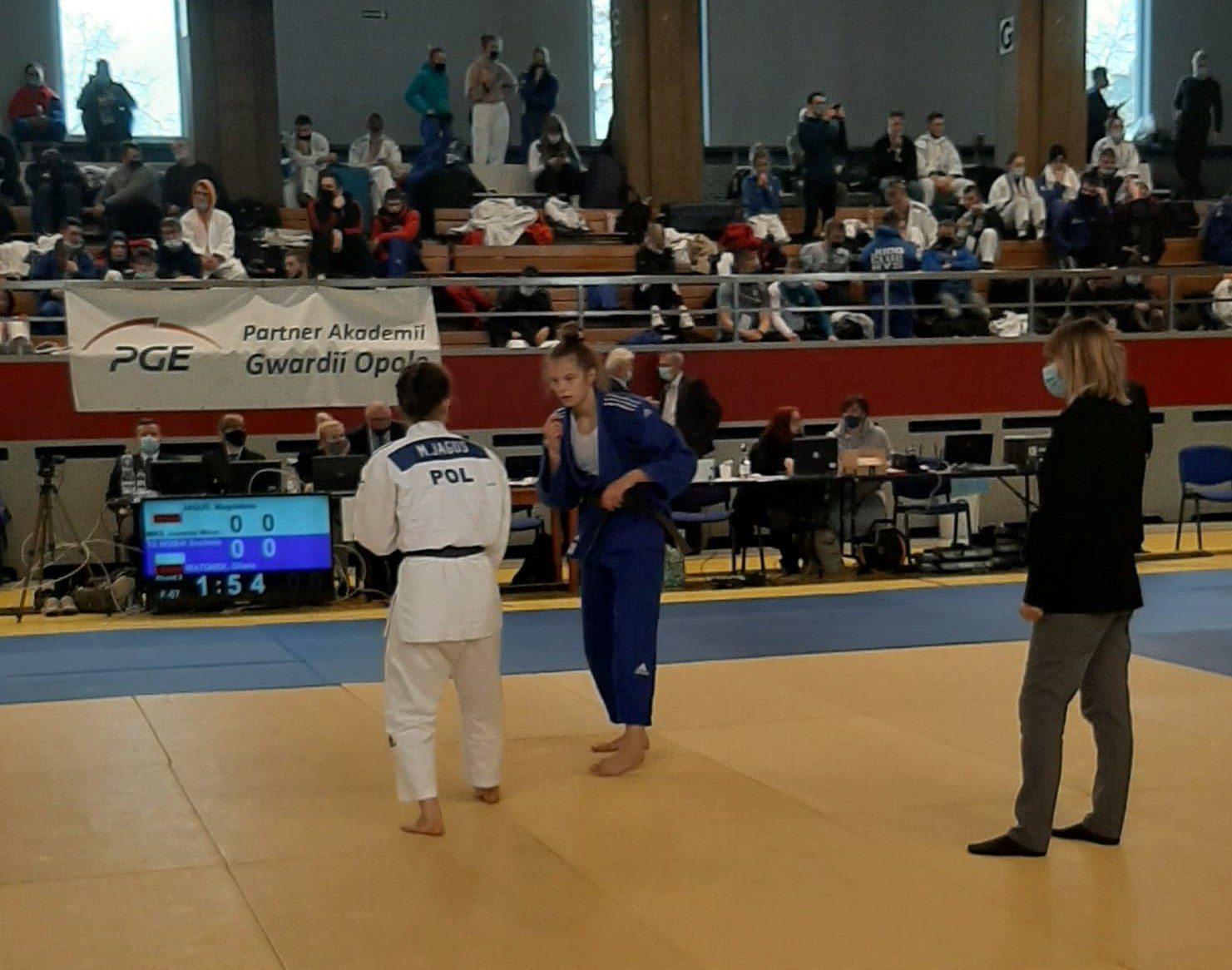 Oliwia Wątorek podczas walki na Pucharze polski juniorek w Opolu 27.02.2021 r.
