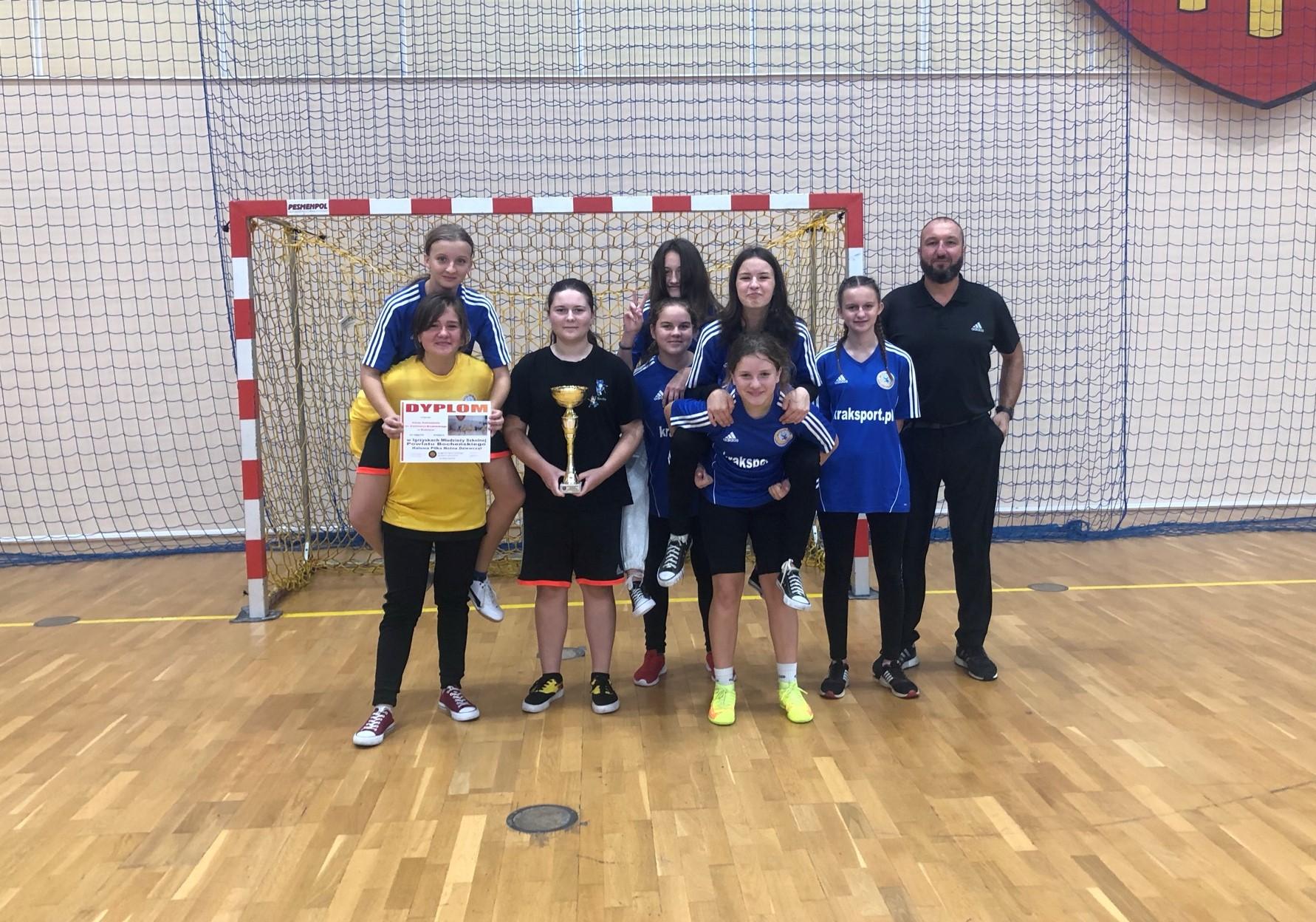 Zawody Powiatowe w Halowej Piłce Nożnej Dziewcząt (Igrzyska Młodzieży Szkolnej)